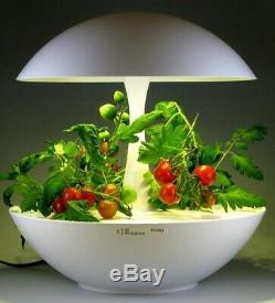 Akarina Hydroponic Indoor Grow-Light System Integrated With LED technology