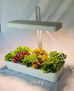 Hydroponic system grow kit with 10 plant sites, 20 watts and adjustable height
